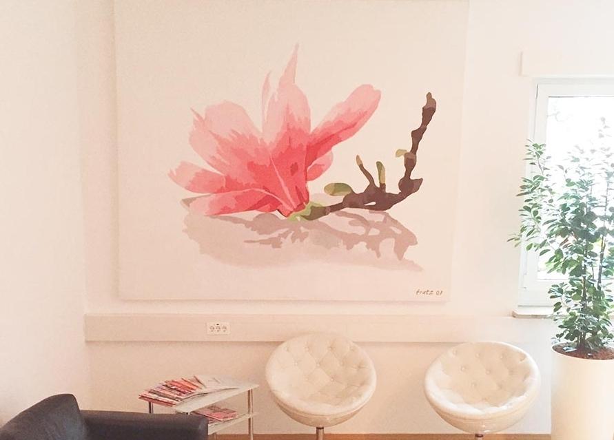 Ausstellung: Leinwandbild Magnolie in der Previum-Lounge, München