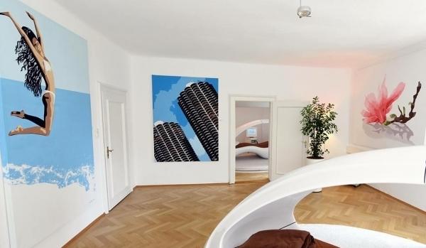 Permanente Ausstellung mit Leinwandbildern von HOSEUS in der Previumlounge Bogenhausen München